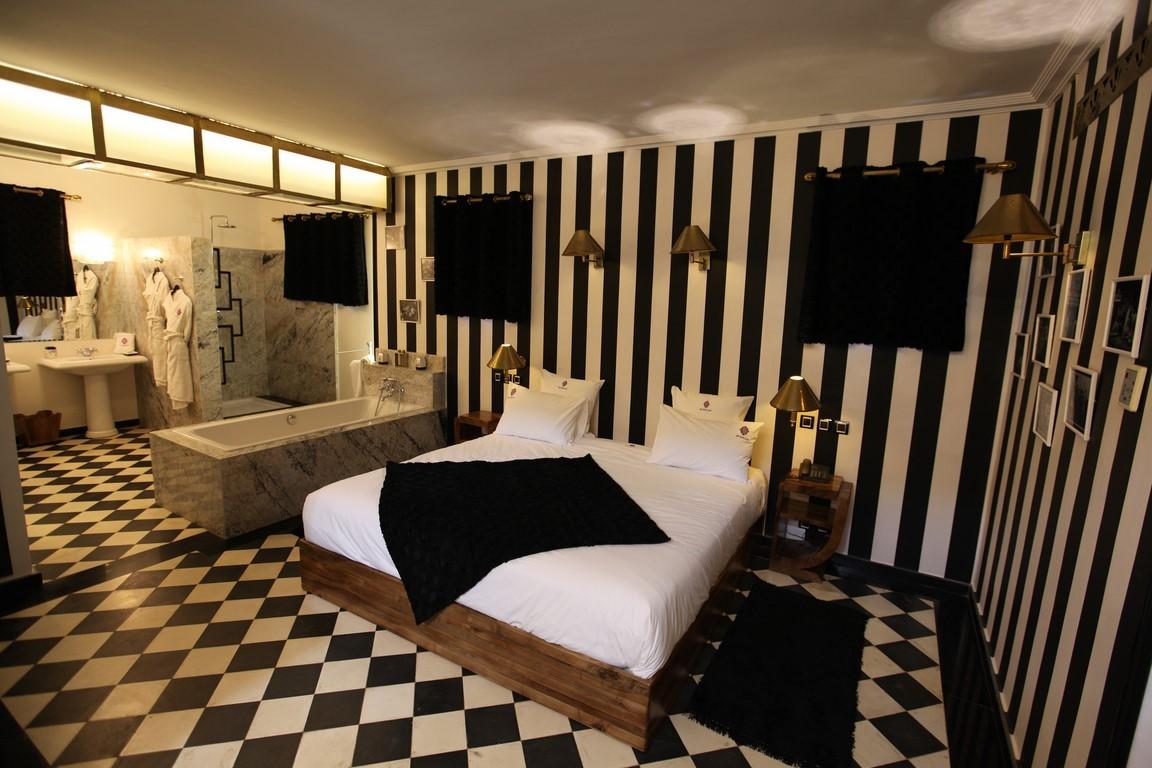 (Français) grand lit suite Marrakech