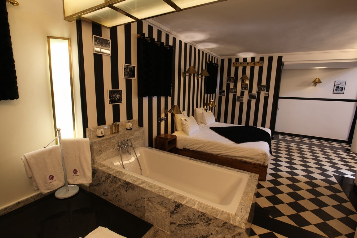 suite casablanca o 39 atlas marrakech o 39 atlas marrakech. Black Bedroom Furniture Sets. Home Design Ideas